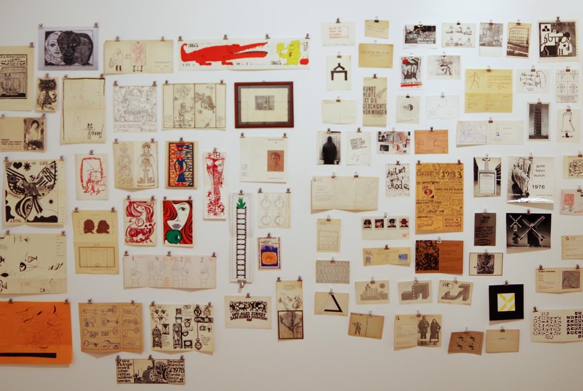 """Künstlerkreise"""" DDR Netzwerkarbeiten der 1960er/70er/80er Jahre Grafikinstallation von Ania Rudolph und Rainer Görß Original Künstlergaben/Wunsch- & Einladungskarten, Mailart"""
