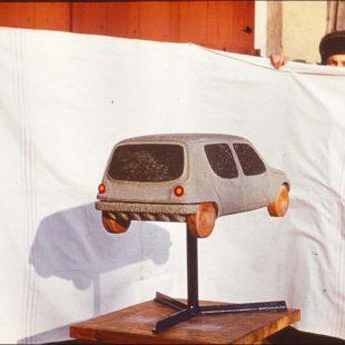Der Entwurf von 1971 1972 hat mehr Ähnlichkeiten mit den in den 90ern in Deutschland verkauften Automodellen als mit denen seiner Zeit.